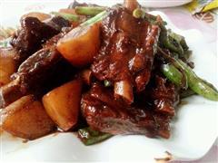 红烧排骨烩土豆豆角