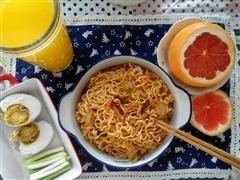 炒面&咸蛋&西柚&芒果果珍
