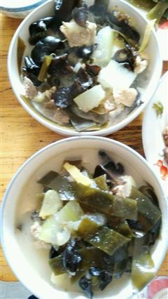 冬瓜海带木耳排骨汤