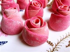 苋汁玫瑰馒头
