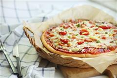 脆底火腿披萨