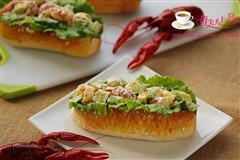 龙虾牛油果全麦面包