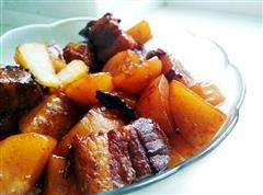 就是爱吃肉-红烧肉炖土豆