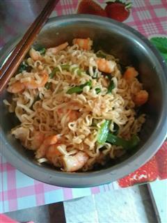 海鲜青菜炒面