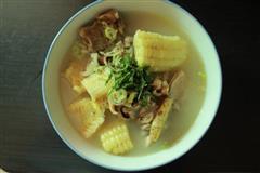 玉米鱿鱼排骨汤
