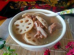 一莲藕煲猪排骨汤
