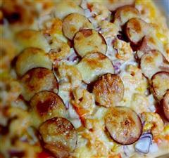 夏日小聚,自制海鲜火腿双拼披萨