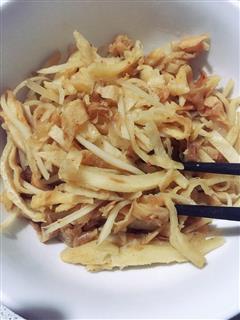 辣白菜土豆丝炒饼
