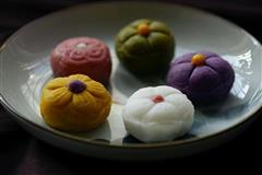 彩色冰皮月饼-和菓子的感觉