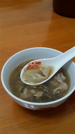 松茸花胶排骨汤