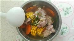 玉米胡萝卜排骨汤