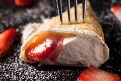 草莓奶油煎饼