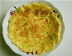 胡萝卜卷心菜木耳鸡蛋饼