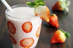 草莓奶昔思慕雪