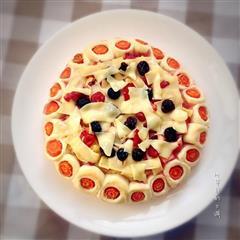 莓果花边披萨