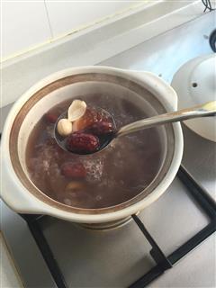 桃胶银耳汤