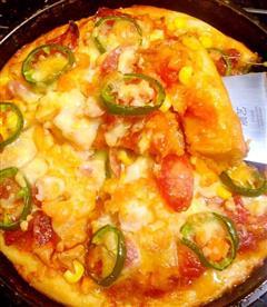 鲜虾广式腊肠披萨