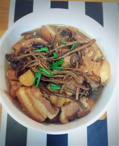 舌尖上的茶树菇红烧肉