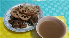 章鱼莲藕排骨汤