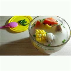 电饭锅版胡萝卜玉米排骨汤