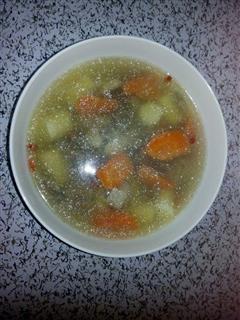 圣子干山药红萝卜排骨汤