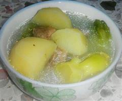 春季土豆芥菜排骨汤