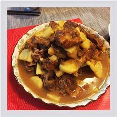 红烧排骨和土豆,减肥者都忍不住要吃多几块肉版本