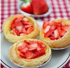 草莓乳酪蛋挞