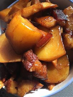 土豆竹笋红烧肉