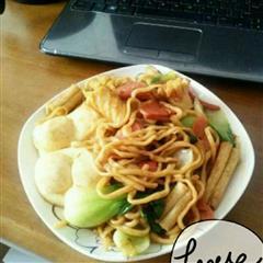 蔬菜火腿炒面