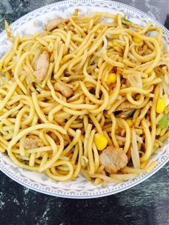 黄金豆芽炒面