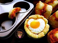 一模两用轻松搞定早餐一一煎蛋肉松面包杯