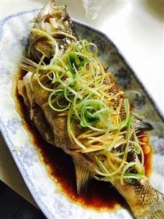 清蒸鲈鱼简单版