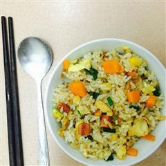 胡萝卜玉米蛋炒饭