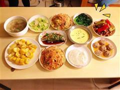 原味鸡、地三鲜、瓜仔肉、蒸蛋和萝卜排骨汤4菜1汤