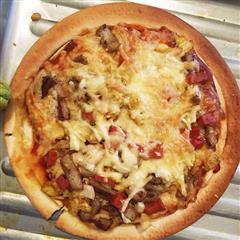 鸡肉鱿鱼披萨