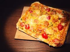 重磅满屏鲜虾香肠披萨