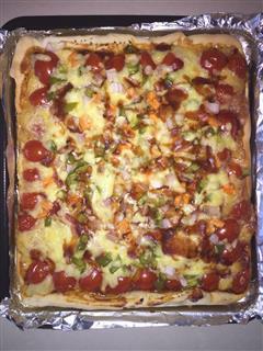 鸡肉火腿培根披萨