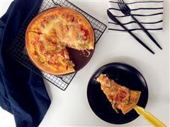 白酱脆皮肠鲜蔬披萨