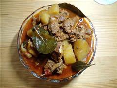 电饭煲川式红烧牛肉炖土豆