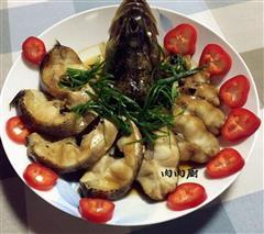 清蒸鲈鱼如何才能做到鱼肉味鲜嫩滑