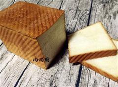 新鲜出炉香喷喷的港式甜吐司面包
