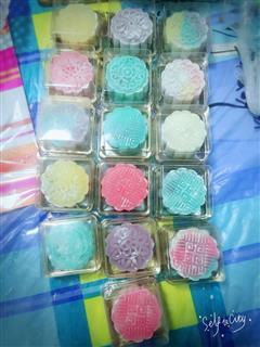 彩虹冰皮月饼