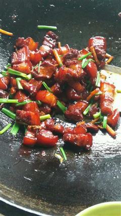 柴火锅红烧肉