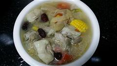 玉米红萝卜竹荪排骨汤