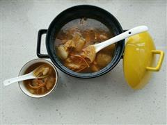 深秋猴菇排骨汤