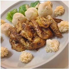 土豆泥配香煎鸡胸肉