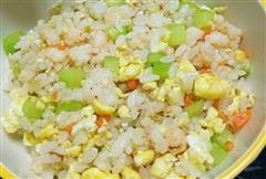 宝宝食谱-虾仁蛋炒饭