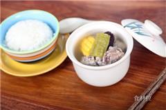 凉瓜玉米排骨汤