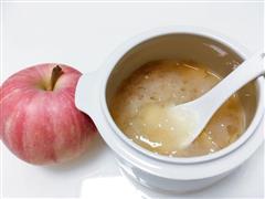早餐简单的苹果银耳汤